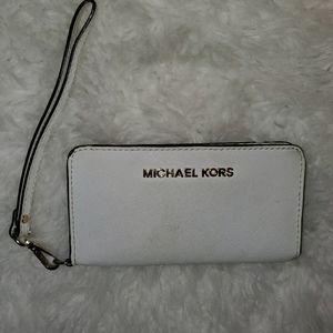 Michael Kors ivory smart phone wallet wristlet